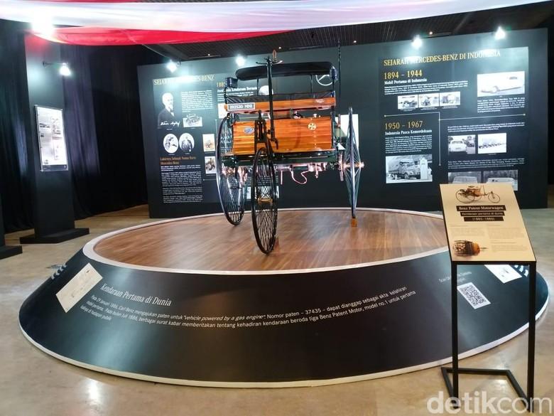 Replika mobil pertama di dunia mejeng di Museum