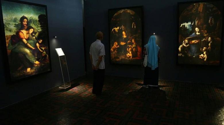 Pameran lukisan Leonardo Davinci di Museum Bank Mandiri.