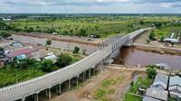 Selain Jembatan Antang, ada juga 3 overpass yang dibangung oleh 3 perusahaan batu bara yakni PT Talenta Bumi di KM 46,9, PT Binuang Mitra Bersama di KM 54, PT Hasnur International di KM 60.