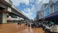 AEON Mall JGC Cakung Diserang, Apa Sih Penyebab Banjir?