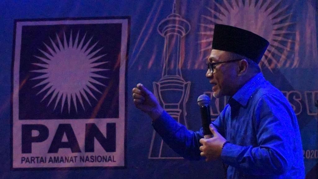 Zulhas Minta Pengurus Masjid Jaga Disiplin Jemaah di New Normal