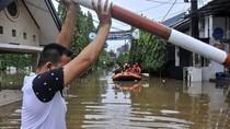 4 Langkah Penting Supaya Nggak Tersetrum Saat Banjir