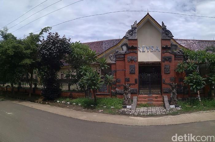 KPK telah menyita aset-aset Rohadi, PNS 'tajir melintir' asal Indramayu. Salah satu aset yang disita adalah Rumah Sakit Resya.