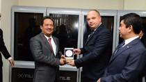 RI-Ukraina Kerja Sama, Wamenhan Minta Pindad Serius Garap Kendaraan Tempur