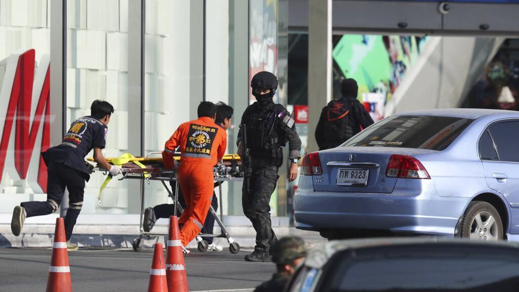 Berjibaku Evakuasi Korban Selamat dari Penembakan Tentara Thailand