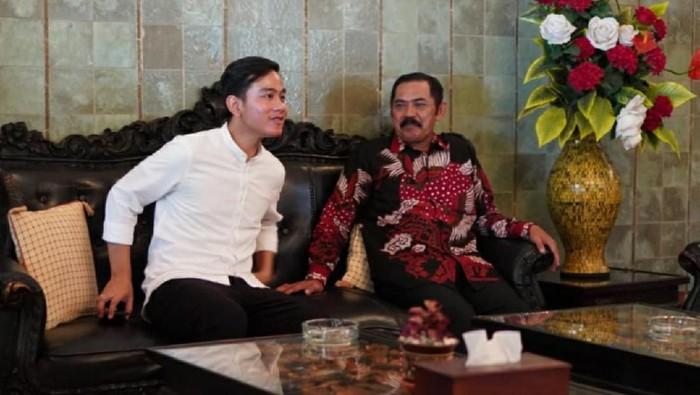 Gibran Rakabuming Raka temui Ketua DPC PDIP yang juga Wali Kota Solo FX Hadi Rudyatmo, Minggu (9/2/2020).