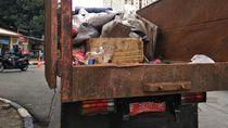 Sampah Jadi Kendala Utama Penyedotan Banjir Underpass Kemayoran