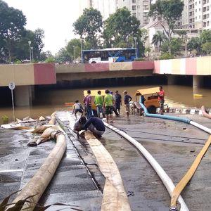 PUPR Kirim 3 Pompa Bereskan Banjir Underpass Kemayoran
