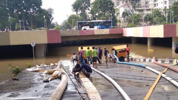 Underpass Kemayoran Banjir