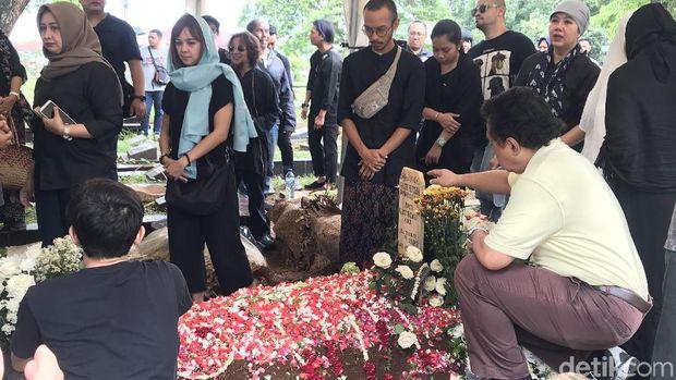 Pernah Jadi Damayanti Noor di Film Chrisye, Velove Vexia Ikhlas Ditinggal