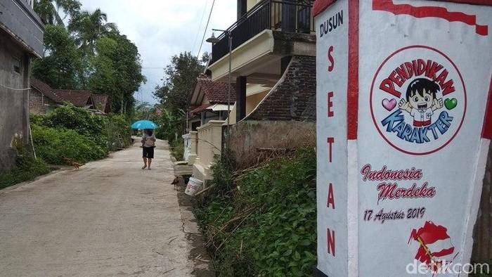 Dusun Setan di Desa Candiretno, Kecamatan Secang, Kabupaten Magelang, Selasa (4/2/2020).