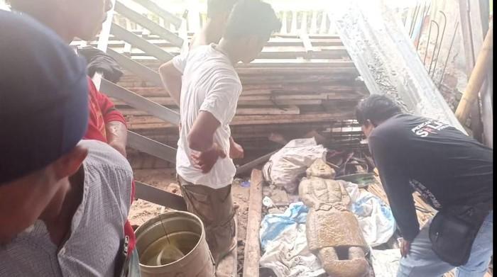 Tukang batu temukan patung batu mirip manusia di Pinrang, Sulsel (Hasrul Nawir/detikcom)