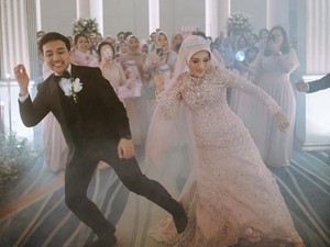 Pengantin di Bekasi Viral yang Nge-dance Lagu BTS di Hari Pernikahan