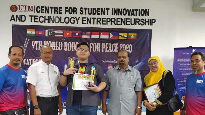 Pelajar Cianjur juara kontes robot di Malaysia