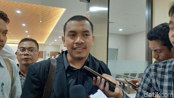 kuasa hukum FPI, Aziz Yanuar di Bareskrim Polri,