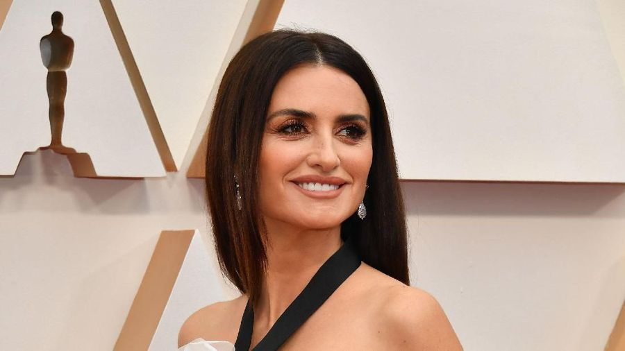 HOLLYWOOD, CALIFORNIA - FEBRUARY 09: Penélope Cruz attends the 92nd Annual Academy Awards at Hollywood and Highland on February 09, 2020 in Hollywood, California. (Photo by Amy Sussman/Getty Images)