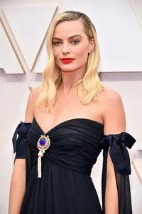 Raih Best Supporting Actor, Brad Pitt Tak Sebut Nama Margot Robbie