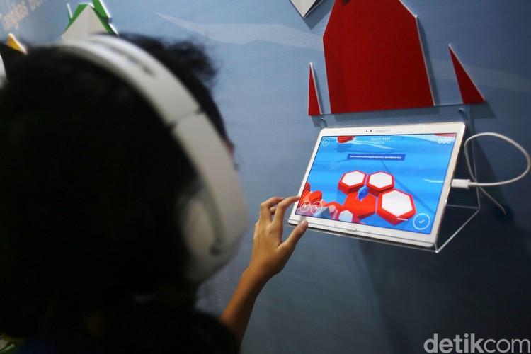 Google meluncurkan program Tangkas Berinternet di Kemendikbud, Jakarta, Senin (10/2/2020). Program ini untuk mempromosikan literasi digital bagi anak, orangtua dan guru di seluruh Indonesia.