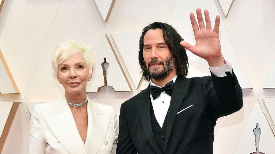 HOLLYWOOD, CALIFORNIA - FEBRUARY 09: Patricia Taylor (L) and Keanu Reeves attends the 92nd Annual Academy Awards at Hollywood and Highland on February 09, 2020 in Hollywood, California. (Photo by Amy Sussman/Getty Images)