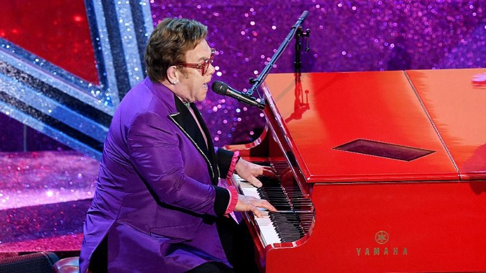 HOLLYWOOD, CALIFORNIA - FEBRUARY 09: Elton John performs onstage during the 92nd Annual Academy Awards at Dolby Theatre on February 09, 2020 in Hollywood, California. (Photo by Kevin Winter/Getty Images)