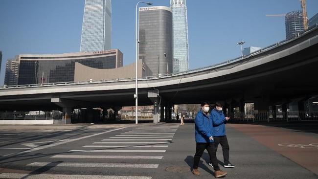 Libur tahun baru Imlek di China berakhir hari ini, Selasa (10/2). Merebaknya virus corna membuat pemerintah China terpaksa menambah masa libur Imlek.