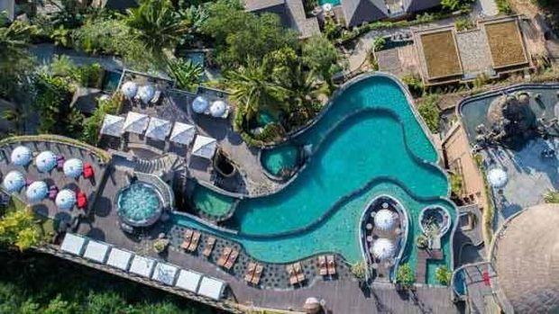 Kolam renang milik Kayon Resort Bali