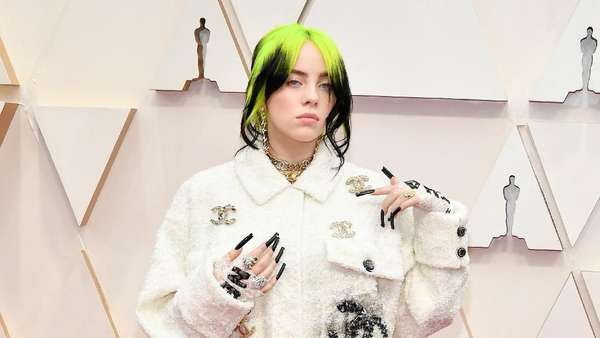 Billie Eilish tampil Serba Chanel di Oscar 2020