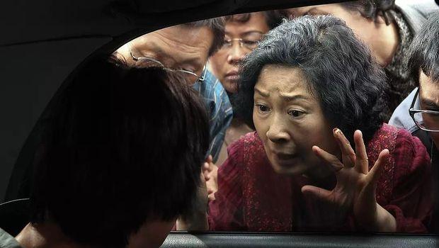 5 Film Bong Joon-ho, Sutradara Parasite Peraih Oscar