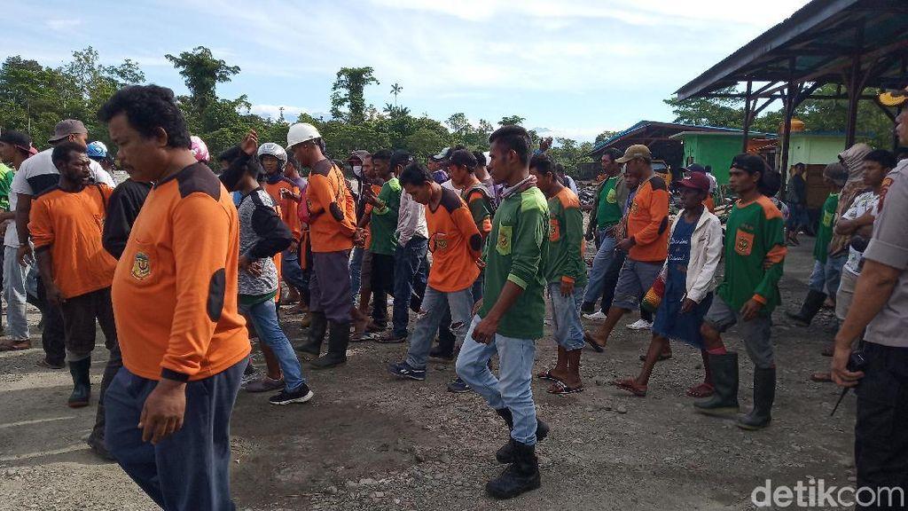 Petugas Kebersihan Mimika Papua Mogok Kerja, Sampah Menumpuk