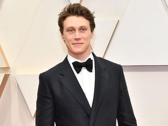 HOLLYWOOD, CALIFORNIA - FEBRUARY 09: George MacKay attends the 92nd Annual Academy Awards at Hollywood and Highland on February 09, 2020 in Hollywood, California. (Photo by Amy Sussman/Getty Images)