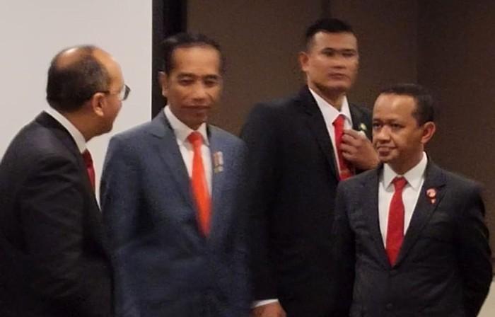 Kepala Badan Koordinasi Penanaman Modal (BKPM) Bahlil Lahadalia ikut mendampingi Presiden Jokowi saat bertemu pemerintah Australia.
