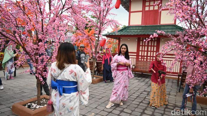Waterpark bernuansa Jepang di Jember.