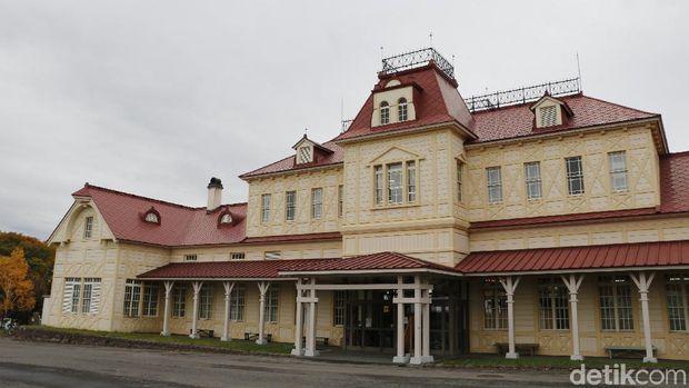 Stasiun Kereta Hokkaido yang menjadi pintu masuk museum