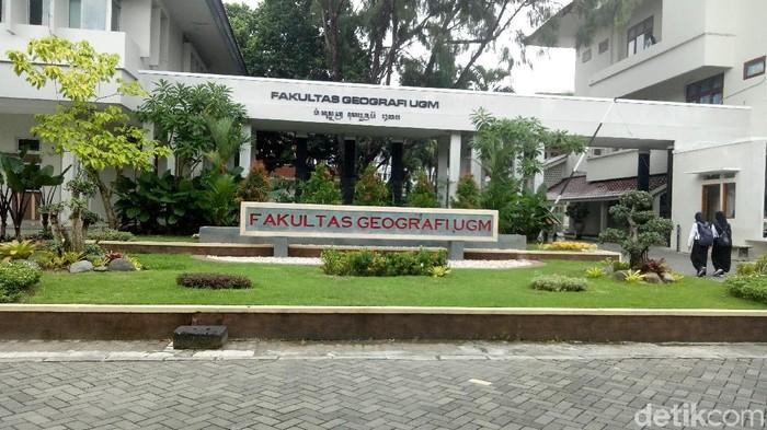Fakultas Geografi UGM, Selasa (11/2/2020).