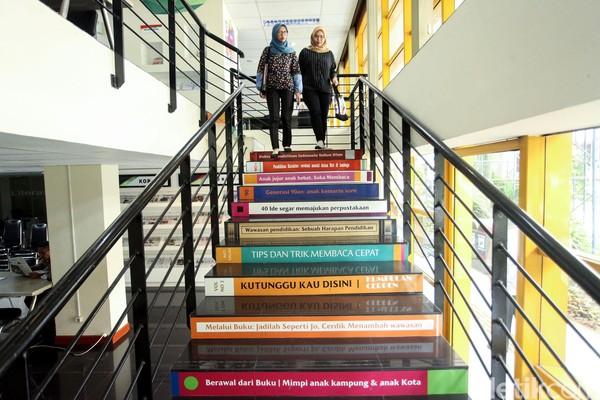 Perpustakaan ini dibuka juga untuk umum lho. (Rifkianto Nugroho)
