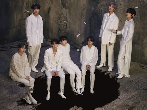 BTS Tampil Bersayap dalam Teaser Foto 'Map of the Soul: 7'