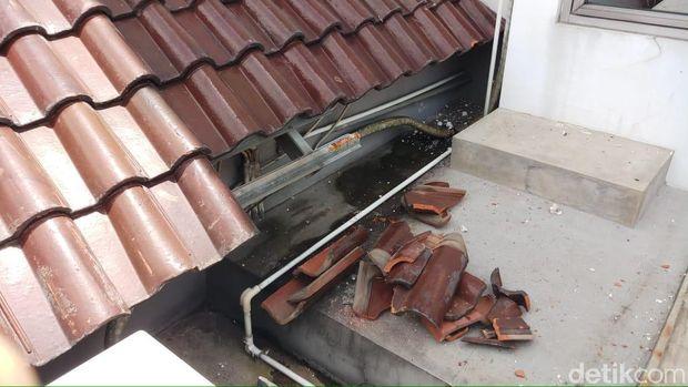 Ledakan di Gardu Induk Cawang, Rumah Warga Sekitar Rusak