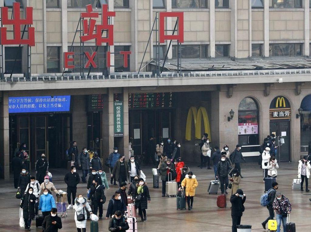 Antisipasi Corona Meningkat Lagi, China Larang Warga Mudik Saat Imlek