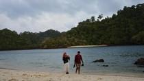 Ini Pantai yang Asyik Buat Kemping di Malang