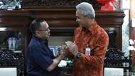 Jumpa Perdana Sejak Pilgub, Ganjar-Sudirman Said Akrab Bahas PMI