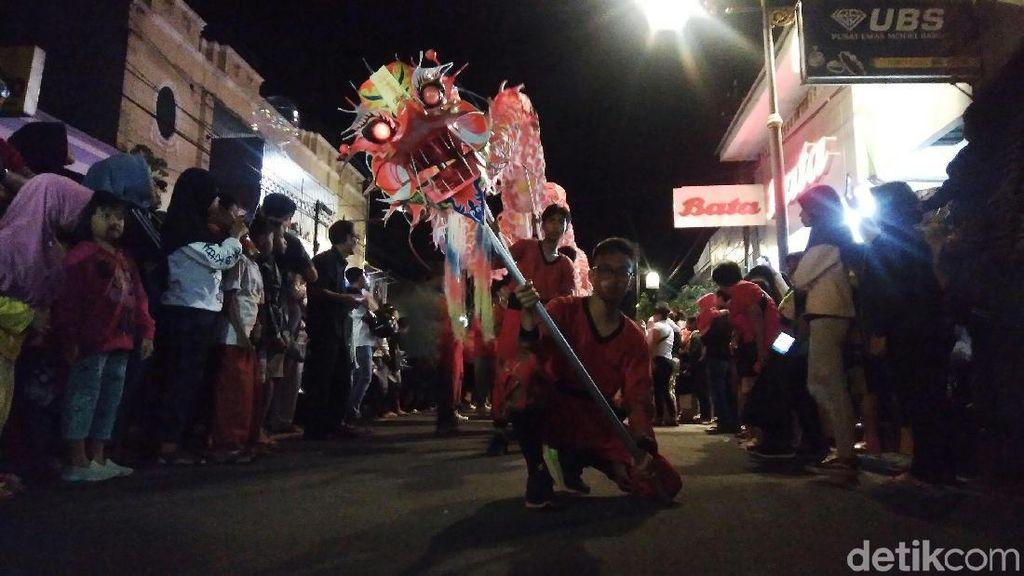 Potret Kemeriahan Pawai Cap Go Meh di Cianjur