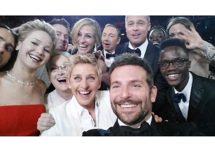 Ellen DeGeneres selfie dengan bintang dunia di Oscar 2014.