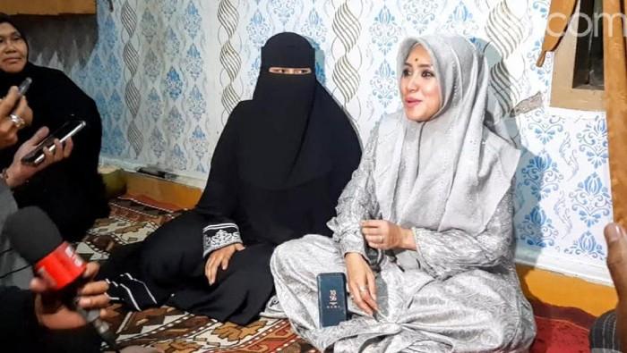 Istri pertama Hafi Muhammad Kafi Firdaus akhirnya buka suara soal video saat mengantar suaminya menikah lagi yang viral.