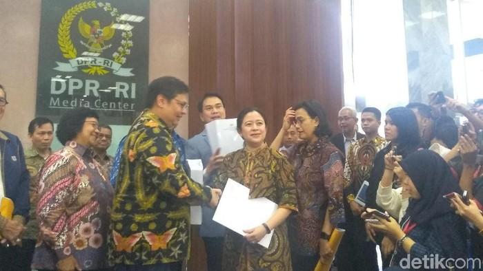 Pemerintah serahkan draf Omnibus Law Cipta Kerja ke DPR (Nur Azizah Rizki Astuti/detikcom)