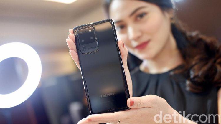 Aksi Menggoda Galaxy S20 Ultra Berfitur 100x Zoom