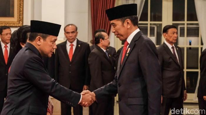 Laksdya Aan Kurnia dilantik Presiden Jokowi sebagai Kabakamla (Foto: Andhika Prasetia/detikcom)