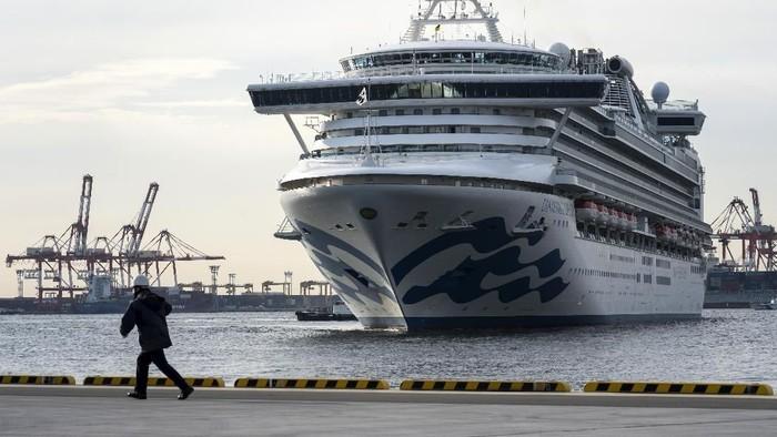 Kasus virus corona di kapal pesiar Diamond Princess yang dikarantina di Jepang bertambah. Kini ada 174 orang dan 1  petugas karantina yang positif virus corona.
