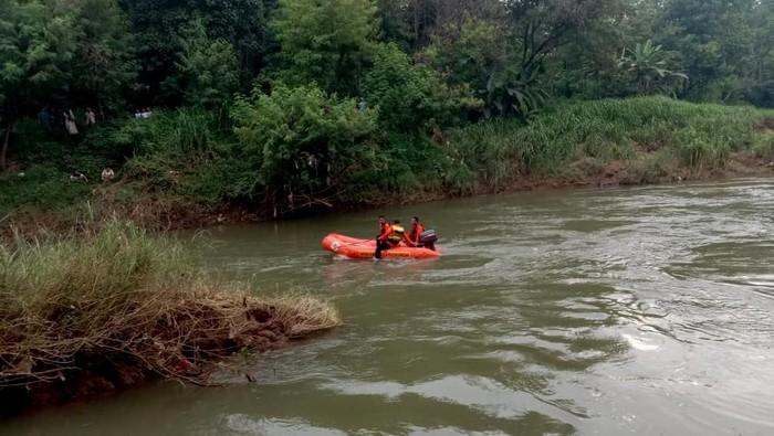 Siti Rohmah (40) dilaporkan hilang terseret arus sungai di Pekalongan, Rabu (12/2/2020).