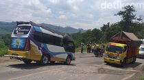 Jalan Utama Penghubung Bandung-Cirebon Ambles, Arus Lalu Lintas Macet Panjang
