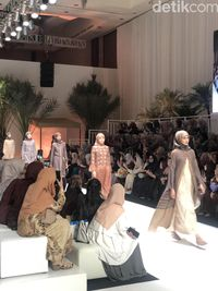 Heaven Lights Gelar Fashion Show Busana Muslim Perdana